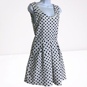 A LINE POLKA DOT DRESS WITH PLEATING
